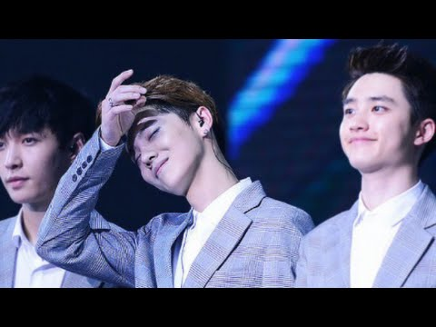 EXO D.O funny smile then panic face [HD]