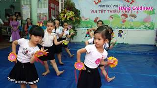 Mùa hè nhạc thiếu nhi vui nhộn, múa cực dễ thương của các em trường mầm non hoa sữa