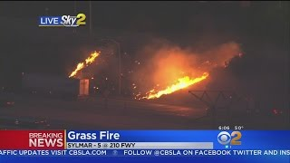 Small Grass Fire Slows Traffic Along 5 Freeway In Sylmar