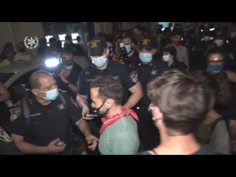 Noche de protestas y rezos en Israel pese al confinamiento