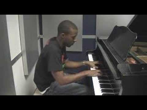 Baixar Kiss Kiss - Chris Brown Piano Cover