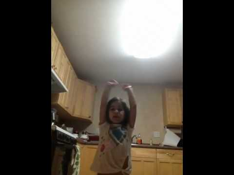 Baixar Kaylen singing Victoria Justice All I want is everything.