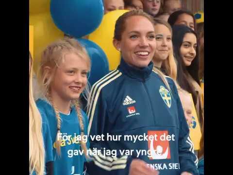 SJ överraskar fotbollslandslagets Elin Rubensson