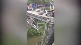 Xe chở trâu tai nạn ở Hà Giang | 11/4/2019