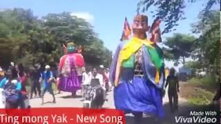 Parade Ting Mong Yak - Giants Big - Funny Ting Mong Yak - Giants Mong say