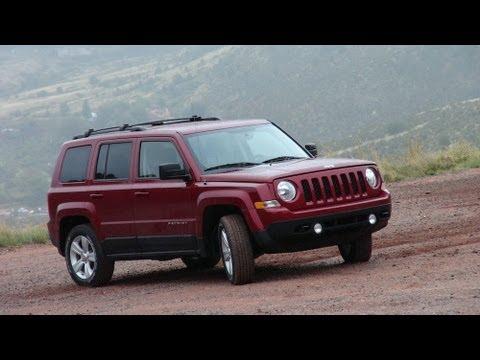 2014 jeep patriot latitude 4x4 suv detailed walkaround phim video clip. Black Bedroom Furniture Sets. Home Design Ideas