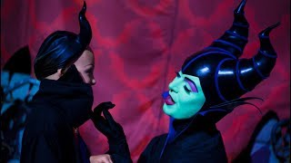 Maleficent meets her MINI TWIN in Disneyland!