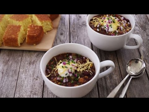 Vegetarian Recipes - How to Make Grandma's Slow Cooker Chili