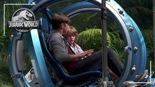 Jurassic World: Gyrosphere (Behind the Scenes)