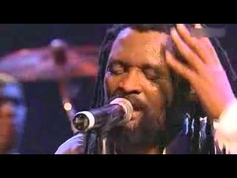 Baixar Lucky Dube - Romeo (Live, 2005).flv