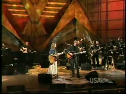 Sheryl Crow & Kris Kristofferson - Me And Bobby McGee (live).avi