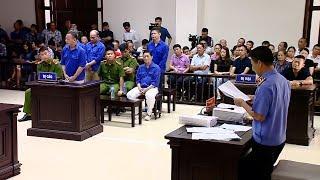 """Xét xử Hưng """"kính"""" cùng đồng phạm trong vụ bảo kê tại chợ Long Biên, Hà Nội"""