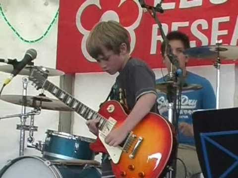 Baixar 7 year old nails Dani California - awesome outro+improv