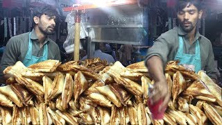 Pakistani Street Food In Karachi | Non Stop Sandwich Maker | People Are Crazy For Chicken Sandwich