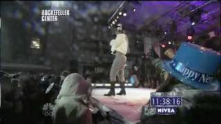 Jay-Z and Rihanna - Run This Town & Umbrella on New Year's Eve With Carson Daly 2010 HD 1080p.flv