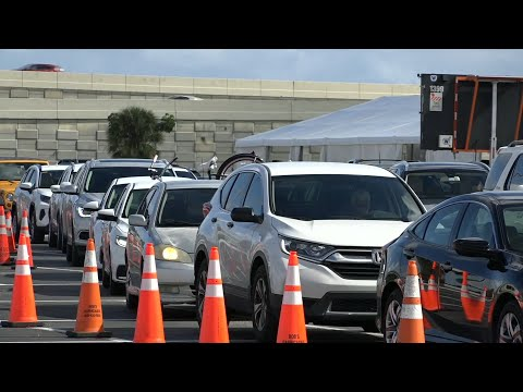 Cars line up at Miami Covid testing site ahead of Thanksgiving   AFP photo