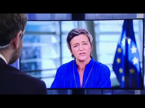 EU Commissioner Margrethe Vestager cautions against plans to cancel flight refund photo