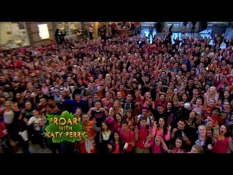 Baixar Katy Perry's 'Roar' Contest Winners Prepare for the Big Event