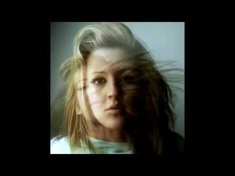 Baixar Ellie Goulding - Lights (WIRED Dubstep Remix).mp4