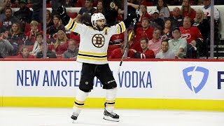 Patrice Bergeron scores two goals for Bruins in Game 4