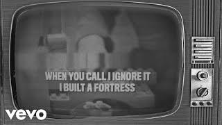 "Lennon Stella - ""Fortress"" // Lyric Video"