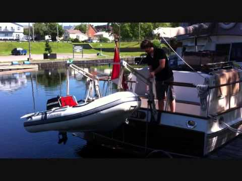 Convenience of Dinghy Davits