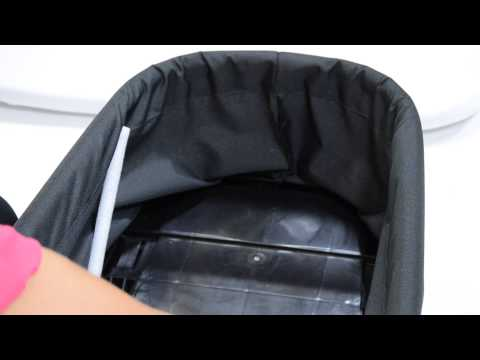 How to fold a deluxe pram from Baby Jogger