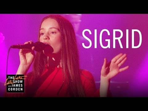 Sigrid: Don't Kill My Vibe (Apple Music Up Next)