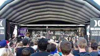 Saosin- Your Not Alone Live (HD) Seriously Good Quality.
