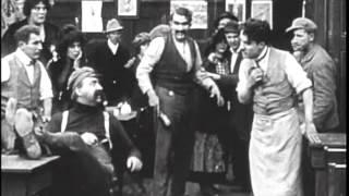 BOBOTE EM APUROS - Charles Chaplin