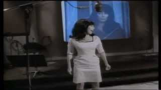 Cher - The Shoop Shoop Song (It's In His Kiss) [Official Music Video]