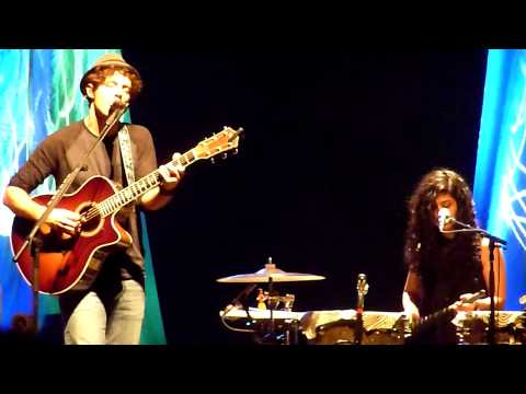 Baixar Jason Mraz & Raining Jane in SLO -93 million miles with Becky solo on sitar
