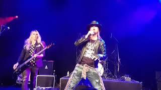 Guns 2 Roses - Its so Easy live at Islington O2