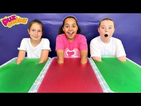 GELLI BAFF TOY CHALLENGE GAME! Surprise Slime  | Toys AndMe
