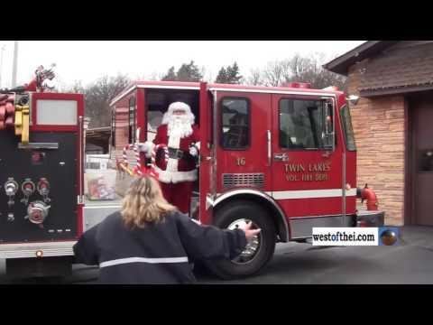 Twin Lakes Fire Department Santa arrival 2016
