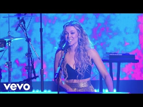 Rachel Platten - Fight Song (Live at New Year's Rockin Eve)