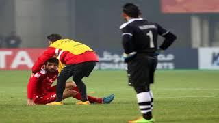 'Thua' U23 Việt Nam cầu thủ Syria  bị kéo ra khỏi sân
