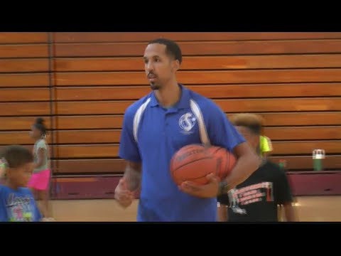 Shaun Livingston Weighing His Options