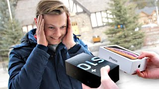 I Gave New Phones to Strangers... But Made Them Choose! – iPhone vs Samsung Galaxy