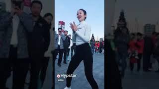 cô gái vệ sinh nhảy cực hay