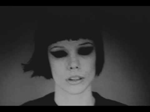 Crystal Castles - Atlantis to Interzone (Klaxons)