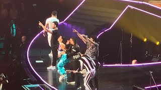 JONAS BROTHERS PERFORMING RUNAWAY LIVE WITH DADDY YANKEE | Happiness Begins tour Miami Florida