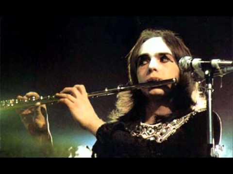 Genesis - Carpet Crawlers (Live 1974)