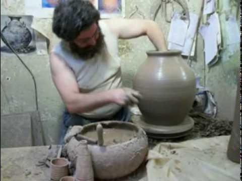 Gualaceo as se hacen los maceteros musica movil for Como se pone ceramica