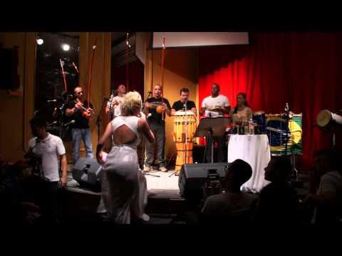 Baixar Carolina Soares - Meu Mestre é Bom de Capoeira (Lançamento do CD Músicas de Capoeira Vol.5)