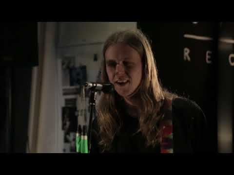 Bloody Knees - 'Maybe It's Easy' (Yala! Session)