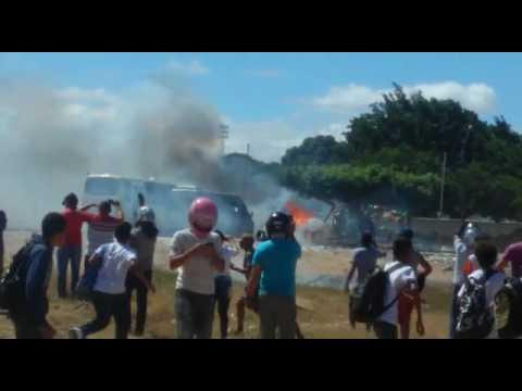 Barraca de fogos explode atingindo casas e cemitério em Petrolina
