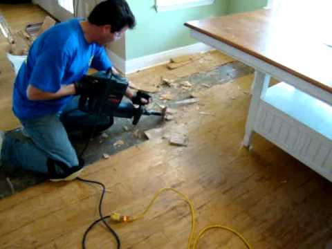 How To Remove Hardwood Floors Mpg Youtube