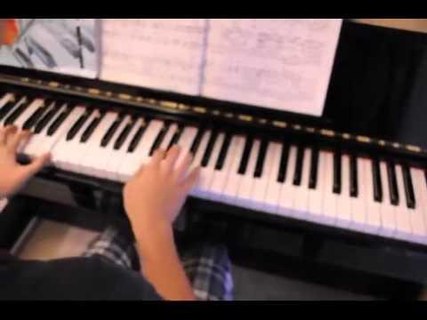 S.H.E  爱我的资格 钢琴版