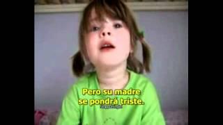 Niña de 4 años enamorada y sufriendo